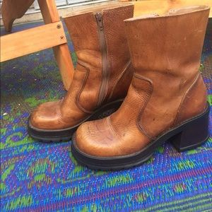 Shoes - Steve Madden leather boots